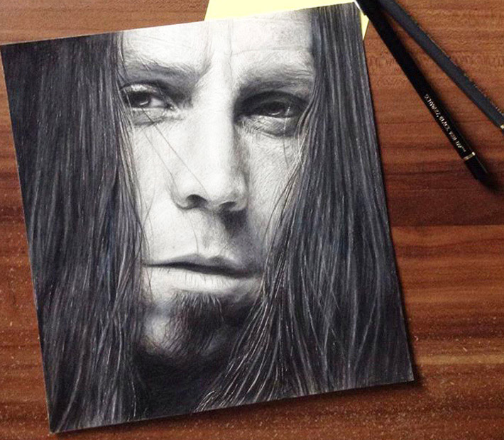 Portrait drawing with graphite pencils by Miriam Galassi